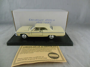 Historic Motor Museum Mint SS5724 1964 Chevrolet Impala in Ivory 1:32