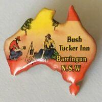 Bush Tucker Inn Barringun NSW Swagman Souvenir Pin Badge Rare Vintage (G8)