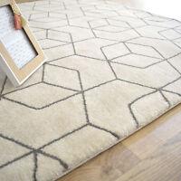 Tapis à motif géométrique - Cube beige - Tendance design - Salon séjour chambre