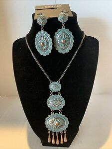 """Amber's Allie 28"""" Rustic Turquoise Neckless with Matching Earrings"""