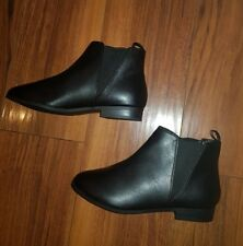 WOMENS STUNNING NEW TRENDY COMFY FLAT BLACK CHELSEA ANKLE BOOTS: UK SIZE 6.5