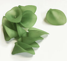 270 pcs of Frosted Acrylic Lily flower 19x21mm  Green