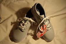 NEW Girl's Size 2.5 Vans Atwood Low Girls Tennis Shoe Sneakers Canvas Grey/White