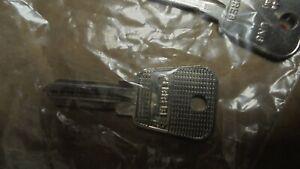New Genuine Land Rover Key CZK3882