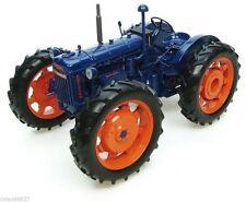 Universal Hobbies Landwirtschaftsfahrzeuge Modelle