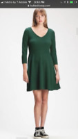 Women's winter knit dress GAP size 10 colors green great for business travel NWT