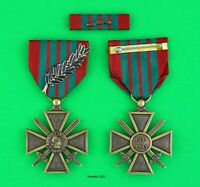 French CROIX de GUERRE MEDAL & RIBBON BAR with Palm - WWII WAR CROSS - Full Size