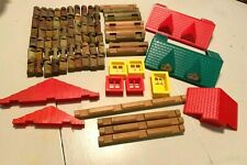 84 Pc Lot Vtg Wooden Lincoln Logs - Red Green Roof Door Window Replacement