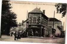 CPA Varennes-sur-Allier-Rue de Lyon et Rue Antoine Fayand (262846)
