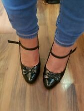 Well Worn Women's Shoes Size 5