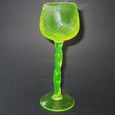 Annagelbes Uranglas / Uraniumglass  Langstielglas