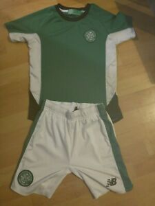 Official Celtic Football Training Shirt & Shorts - Size UK MB (Medium Boys)