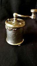 Moulin à poivre en métal argenté