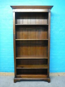 LARGE SOLID OAK BROWN BOOKCASE / DISPLAY CABINET H191 W101 D33cm - see shop
