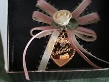 "AVON Ribbon & Hearts Mother Pin - gold 1"" heart with cream/peach bow and rose"