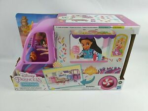 Disney Princess Comfy Squad Sweet Treats Truck, Playset with 16 Accessories