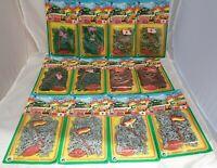 Set mit 12 Packungen Vintage Mini Plastik-Soldaten á ca 100 Figuren (H: ca 26mm)
