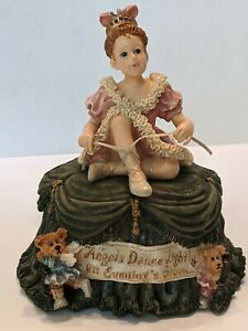 """Vintage Music Box """"Angle Dance Lightly on Evening;s Glow"""" 🎶 Boyds Collection."""