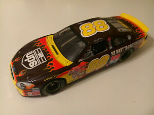 ACTION 2001 DALE JARRETT #88 FORD TAURUS UPS WE WANT TO RACE NASCAR 1:18