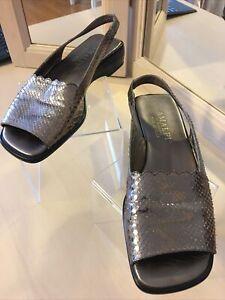 Amalfi By Rangoni Women's Open Toe Bronze Wedge Sandals Size 6.5