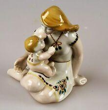 Russische alte Porzellanfigur Mutter mit Kind Porzellan Russland