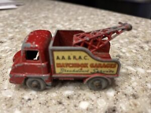 MATCHBOX GARAGE LESNEY RED FORD THAMES WRECKER TOW TRUCK RARE GRAY TIRES VINTAGE