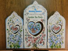Enesco My Blushing Bunnies - Garden Tea Party - Background 351113