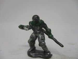 Grenadier Ral Partha Cyber Punk Warrior Dungeons and Dragons Miniatures #98