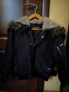 Giacca Invernale calda WOOLRICH nera con cappuccio (uomo/donna/unisex)