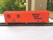 Vintage HO Scale MANTUA  Pacific Fruit Express PEE 77678 Box Car
