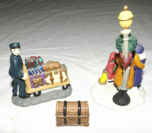 Vintage Porcelain Christmas Village Figures 3 Pieces