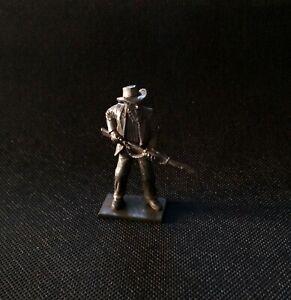 Sanderson - Pioneer Man Holding Musket (Pioneers)