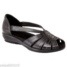 Thom McAn Women's Mallory Black Leather  Wide Width Casual Sandal Shoes Size 5