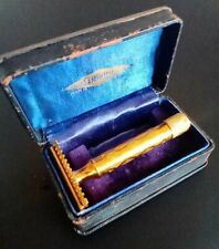 Vintage Gillette New Deluxe  Double Edge Safety Razor with Case (Two piece)