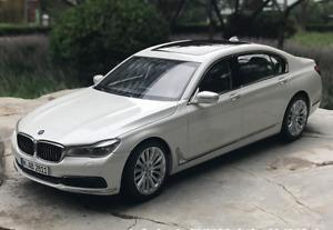 1/18 Dealer version alloy simulation car model BMW 750Li 3 colors