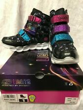 Skecher Light Up Snow Boots sz  1 or  2  NIB Lavender and Black