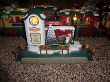 New Bright Holiday Express MUSICAL TRAIN STATION clock tower SHIPS FAST! 384 387