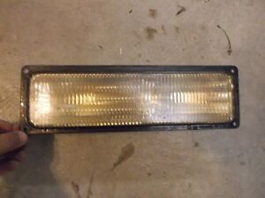 1996-02 GMC SAVANA CHEVY EXPRESS PASSENGER SIDE (RH) TURN SIGNAL/PARKING LAMP