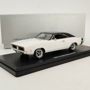 1:43 1969 DODGE CHARGER R/T SE Resin Limited Models - white