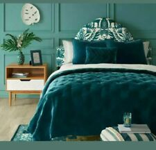 Opalhouse Teal Tufted Velvet Quilt  FULL / QUEEN