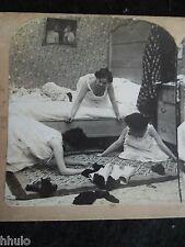 STA245 Scène de genre Jeux femme chambre vintage Photo 1900 STEREO stereoview