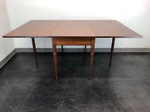 EA CLORE SONS Gateleg Drop Leaf Table No. 513-T