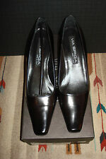 Via Spiga Italy Classic Black Leather Pumps Size 7M US NEW WITH BOX