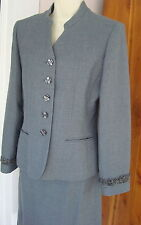 Le Suit 8 Classic Gray Skirt Suit Mandarin V Collar YearRd PolyWool Fully Lined