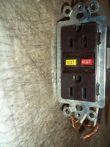 2 NEW NO PACKAGE PASS & SEYMOUR P&S GFCI DUPLEX OUTLET RECEPTACLE 1591-F BROWN