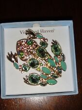 Vineyard Haven Women's Frog Green Crystals Gold Tone Brooch Size 2.5 in  x  2 in