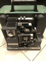Vintage BELL & HOWELL 16mm Movie PROJECTOR FILMOSOUND Model 1585