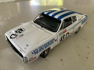 Trax. 1/24 Scale. TRL5C. 1971 VH Valiant Charger E/28 R/T. White (Racing Livery)