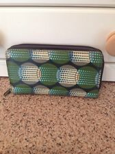 LOVELY ACCESSORIZE GREEN ZIP AROUND PURSE USED GOOD CONDITION