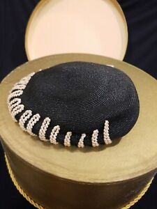 Vintage Woman's Hat and Hat Box 50s.  Adjustable sz black straw hat w/ rope edge